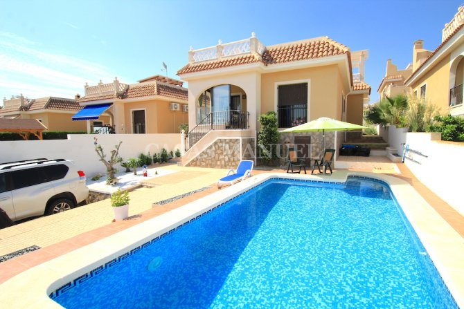 Charming 3 Bed / 2 Bath Villa with Private Pool