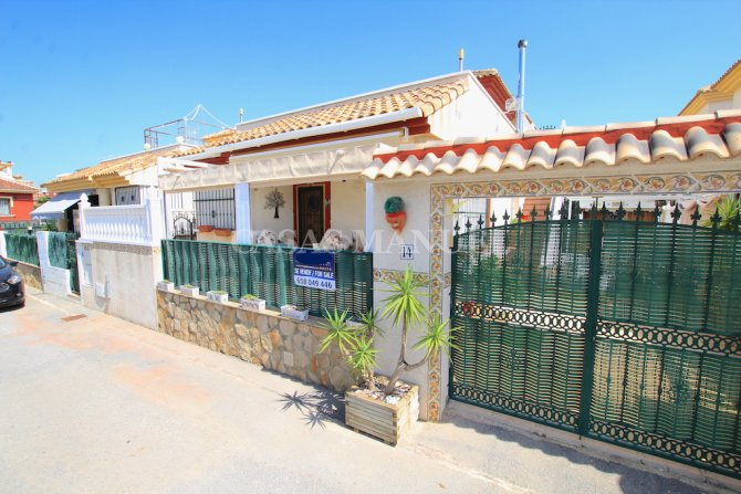 Spacious Detached Villa with Guest Apartment