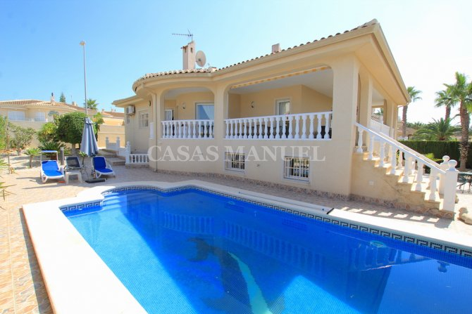 Impressively Spacious 4 Bed Villa - Private Pool