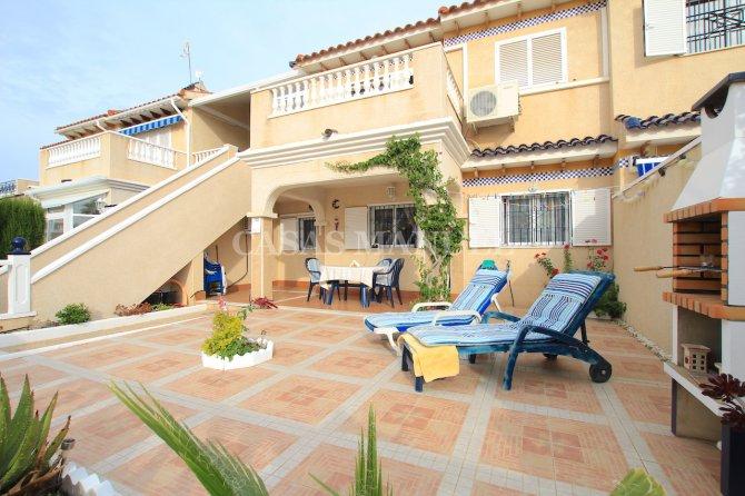 Stunning South-Facing Garden Apartment - Res. Zeniamar II