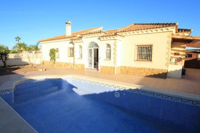 3 Bed / 2 Bath Detached Villa - Fincas De La Vega