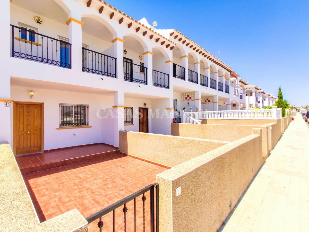 Spacious Town House with Sea Views - La Cinuelica!