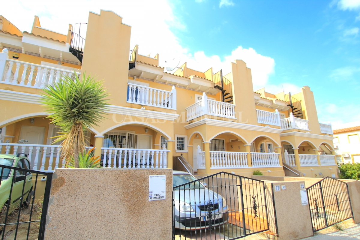 Spacious 2 Bed Townhouse - Res. Montemar