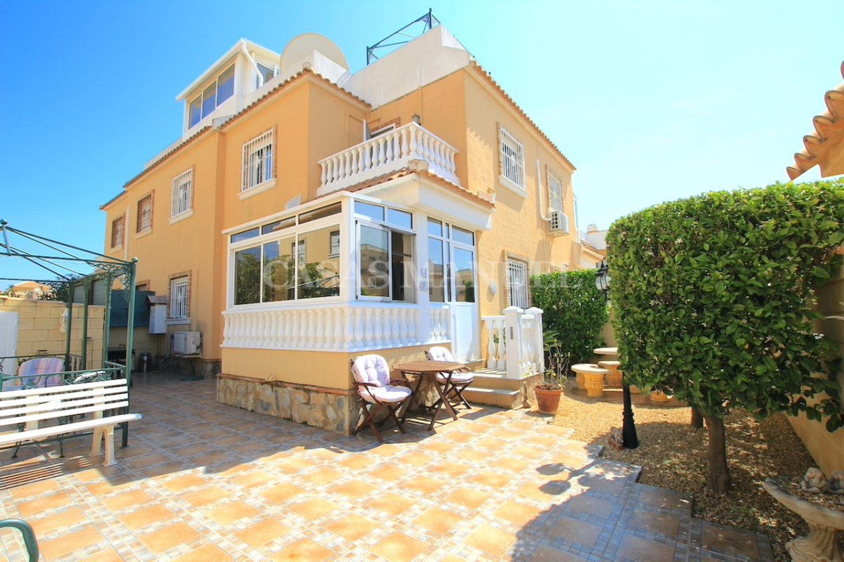 Bright and Spacious Property With Large Garden!