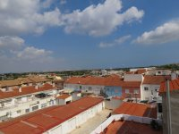 Large South-Facing Village Apartment (16)