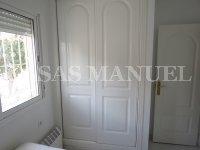 Attractive 3 Bed / 2 Bath Villa  (15)