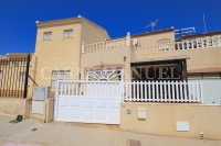 Stylish 3 Bed / 2 Bath Villa - Pool Views!