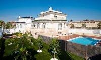 Stunning Large Villa in Doña Pepa (0)