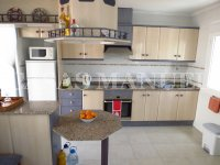 South-Facing Bungalow on a 183sqm Plot! (12)