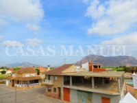 Spacious Townhouse with Mountain Views (4)