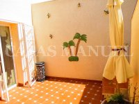 Spacious 2 Bed / 2 Bath Bungalow (13)