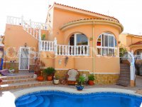 Luxury 3 Bed / 2 Bath Villa with Pool (12)