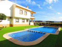 3 Bed Townhouse with Pool + Sea Views  (4)