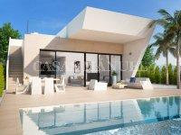 Modern villa on Entre Naranjos Golf!