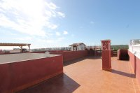 Spacious West-Facing 2 Bed / 2 Bath 1st Floor Penthouse Apartment with Roof Terrace (2)