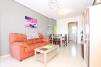 Spacious West-Facing 2 Bed / 2 Bath 1st Floor Penthouse Apartment with Roof Terrace (9)