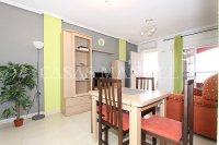 Spacious West-Facing 2 Bed / 2 Bath 1st Floor Penthouse Apartment with Roof Terrace (8)