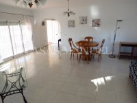 3 Bed Villa with Pool and Double Garage  (12)