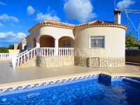 3 Bed Villa with Pool and Double Garage  (22)