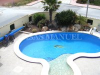 Contemporary 4 Bed / 3 Bath Villa - El Oasis  (29)