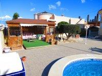 Contemporary 4 Bed / 3 Bath Villa - El Oasis  (12)