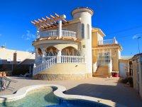 Contemporary 4 Bed / 3 Bath Villa - El Oasis  (1)