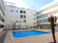 Well-Presented 2nd Floor 2 Bed / 1 Bath Apartment  (0)