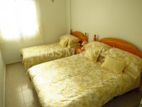 Well-Presented 2nd Floor 2 Bed / 1 Bath Apartment  (11)