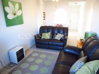 Well-Presented 2nd Floor 2 Bed / 1 Bath Apartment  (9)