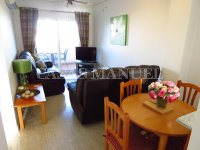 Well-Presented 2nd Floor 2 Bed / 1 Bath Apartment  (1)