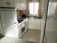 Well-Presented 2nd Floor 2 Bed / 1 Bath Apartment  (4)