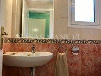 2 Bed 2 Bath Ground Floor Apartment with Garage (20)