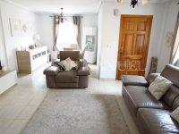 Bright and Spacious Property With Large Garden  (1)