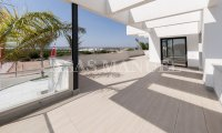 Stunning Villa with Views to the Salt Lakes! (13)