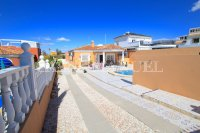 Spectacular 3 Bed / 2 Bath Detached Villa  (4)