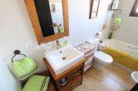Attractive 2 Bed / 2 Bath Property  (7)