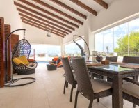 Exquisite Villa With Impeccable Interior and Views Over the 18th Hole (10)