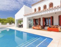 Exquisite Villa With Impeccable Interior and Views Over the 18th Hole (0)