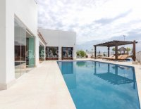 Exquisite Villa With Impeccable Interior and Views Over the 18th Hole (15)