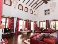 Exquisite Villa With Impeccable Interior and Views Over the 18th Hole (2)