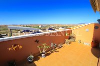 Outstanding Value - 2 Bed Apartment With Private Solarium and Garage Space  (5)