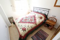 Outstanding Value - 2 Bed Apartment With Private Solarium and Garage Space  (13)
