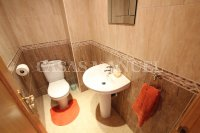 Outstanding Value - 2 Bed Apartment With Private Solarium and Garage Space  (15)