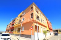 Outstanding Value - 2 Bed Apartment With Private Solarium and Garage Space  (25)