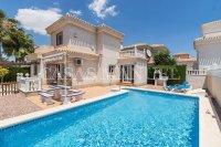 South Facing Detached Villa with Pool (0)