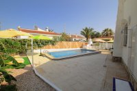 2 Bed Villa with Separate Guest Apartment - Central Quesada  (10)