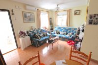 Spacious 3 Bed / 2 Bath Property With Large Garden  (1)