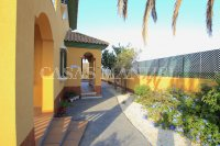 Charming 4 Bed Villa With Pool + Garage - Lomas Del Rame (10)
