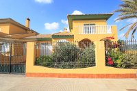 Charming 4 Bed Villa With Pool + Garage - Lomas Del Rame (0)