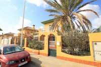 Charming 4 Bed Villa With Pool + Garage - Lomas Del Rame (30)